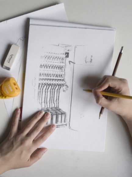kompanzasyon panosu iletim hatlarının enerji israfını azaltmakta faydalıdır.