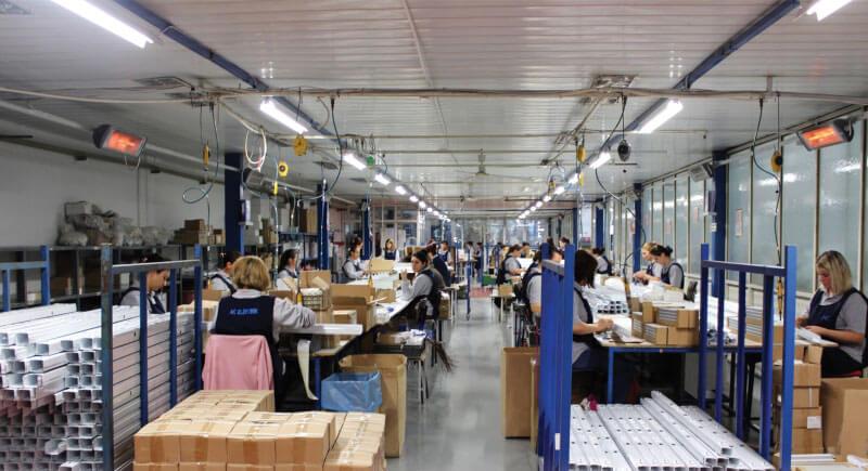 ac-elektrik-fabrika-uretim-gorseli