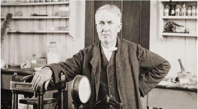 Edison tam zamanlı bir telgrafçı olarak
