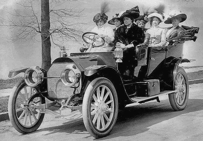 Eski Otomobil ve Kadınlar