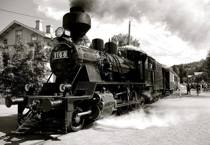 Üçüncü Sanayi Dönemini Temsilen Kara Tren Görseli
